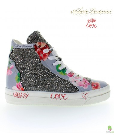Graue Sneaker ''Foolish Love''