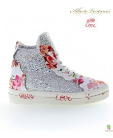 Weiße Sneaker ''Foolish Love''