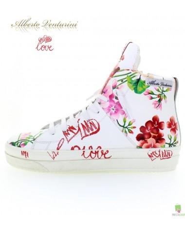 Белые кроссовки ''Crazy Love''