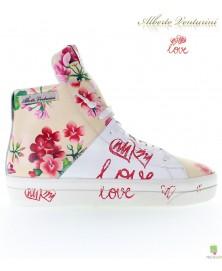 米色运动鞋 ''Crazy Love''